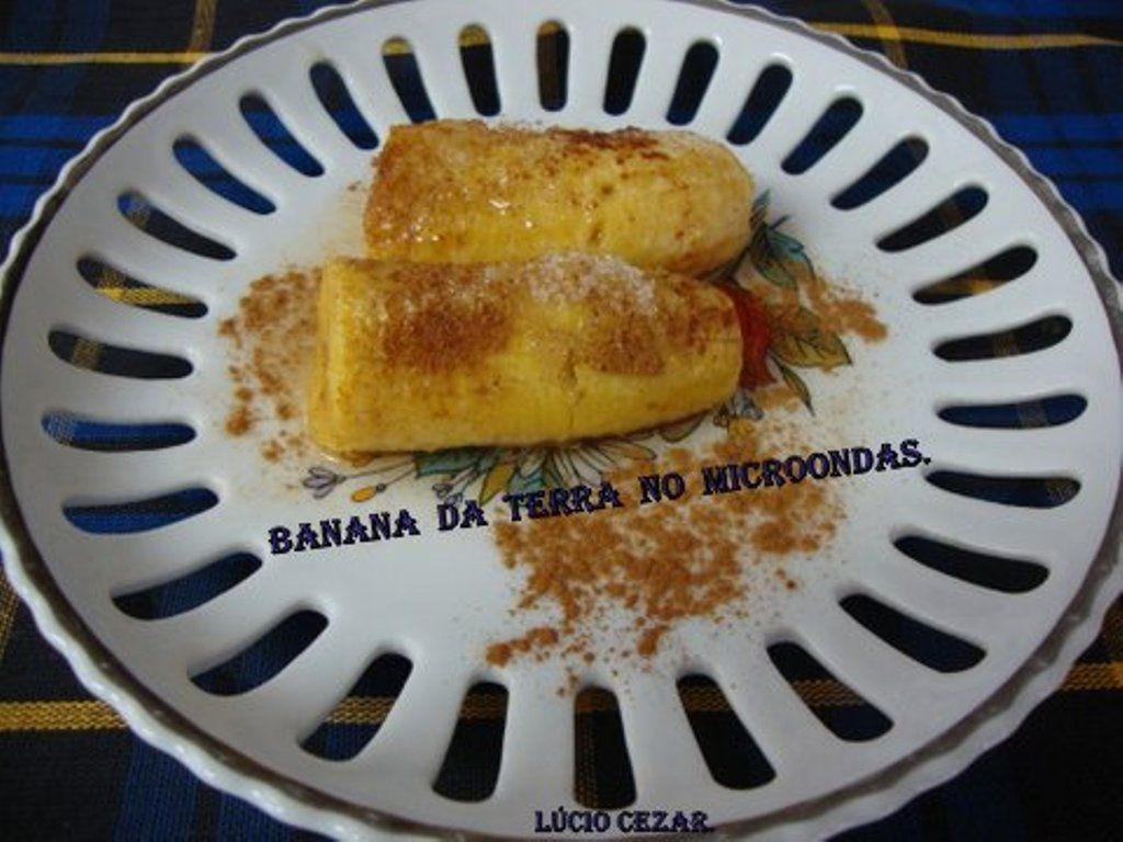 Banana da terra no micro-ondas do Lúcio Cezar