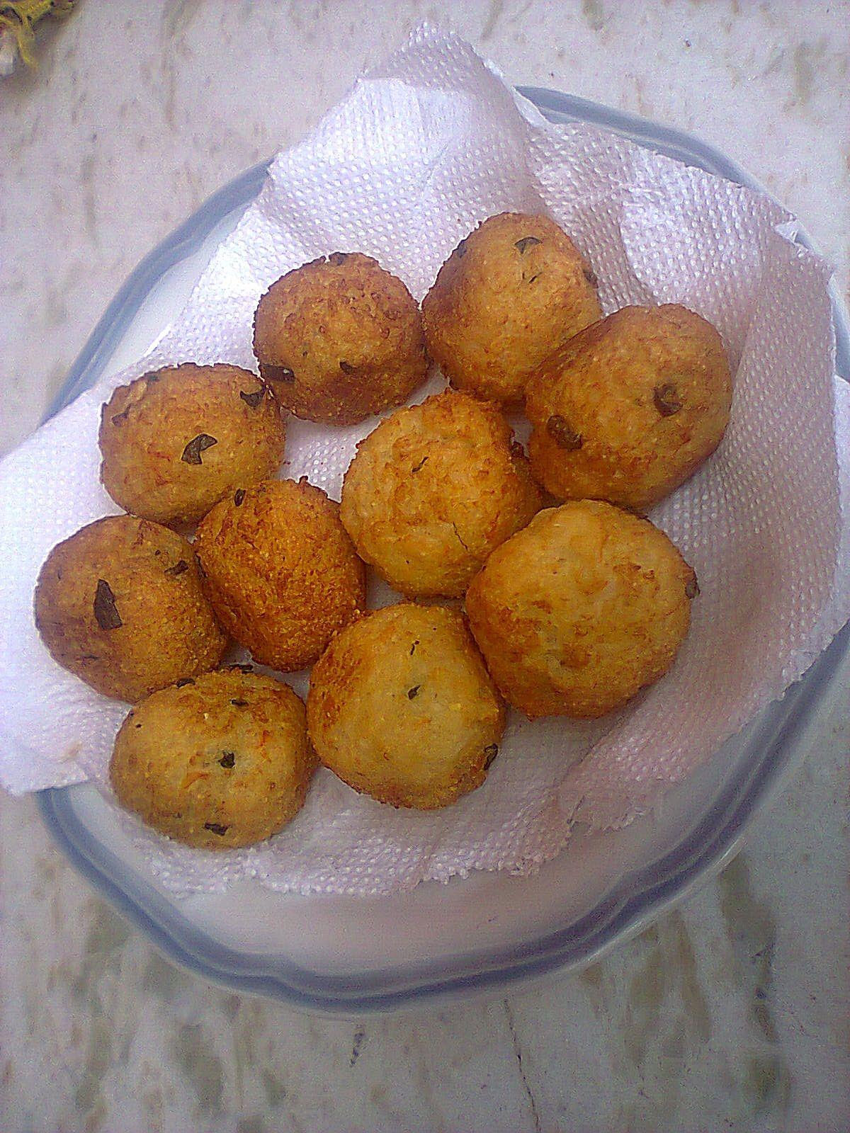 Bolinho de arroz com farinha de mandioca