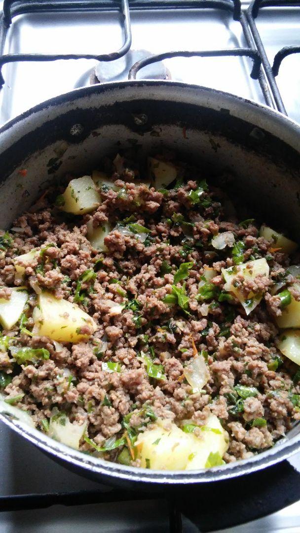 Carne moída simples com salsicha