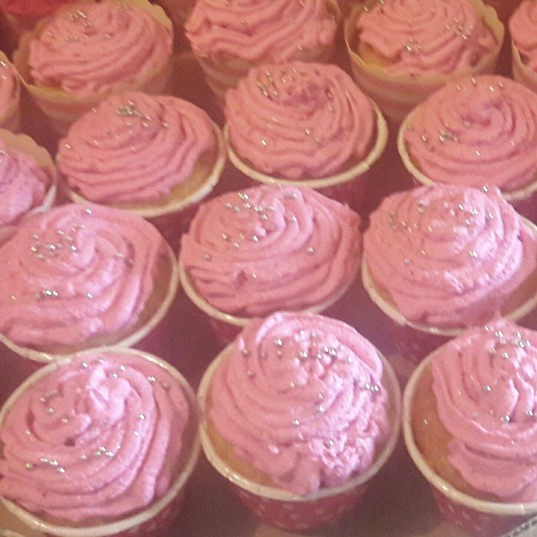 Cupcakes com pontinhos