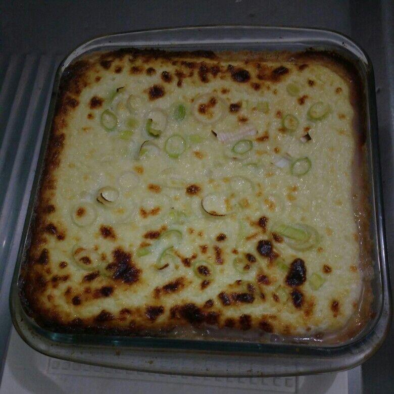 Empadão de queijo com alho poró