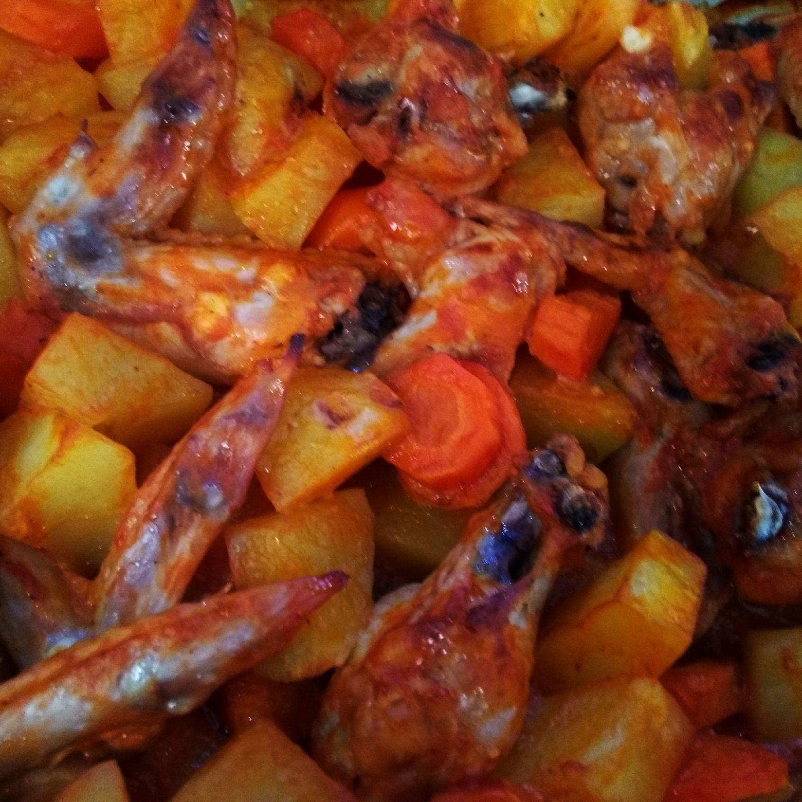 Frango assado com batatas e cenoura – Naty Receitas