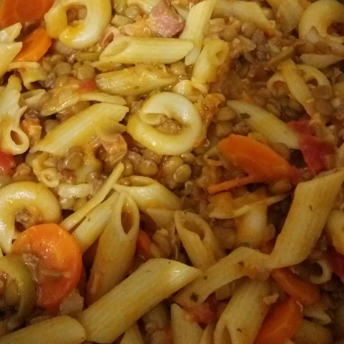 Macarrão com lentilha delicioso