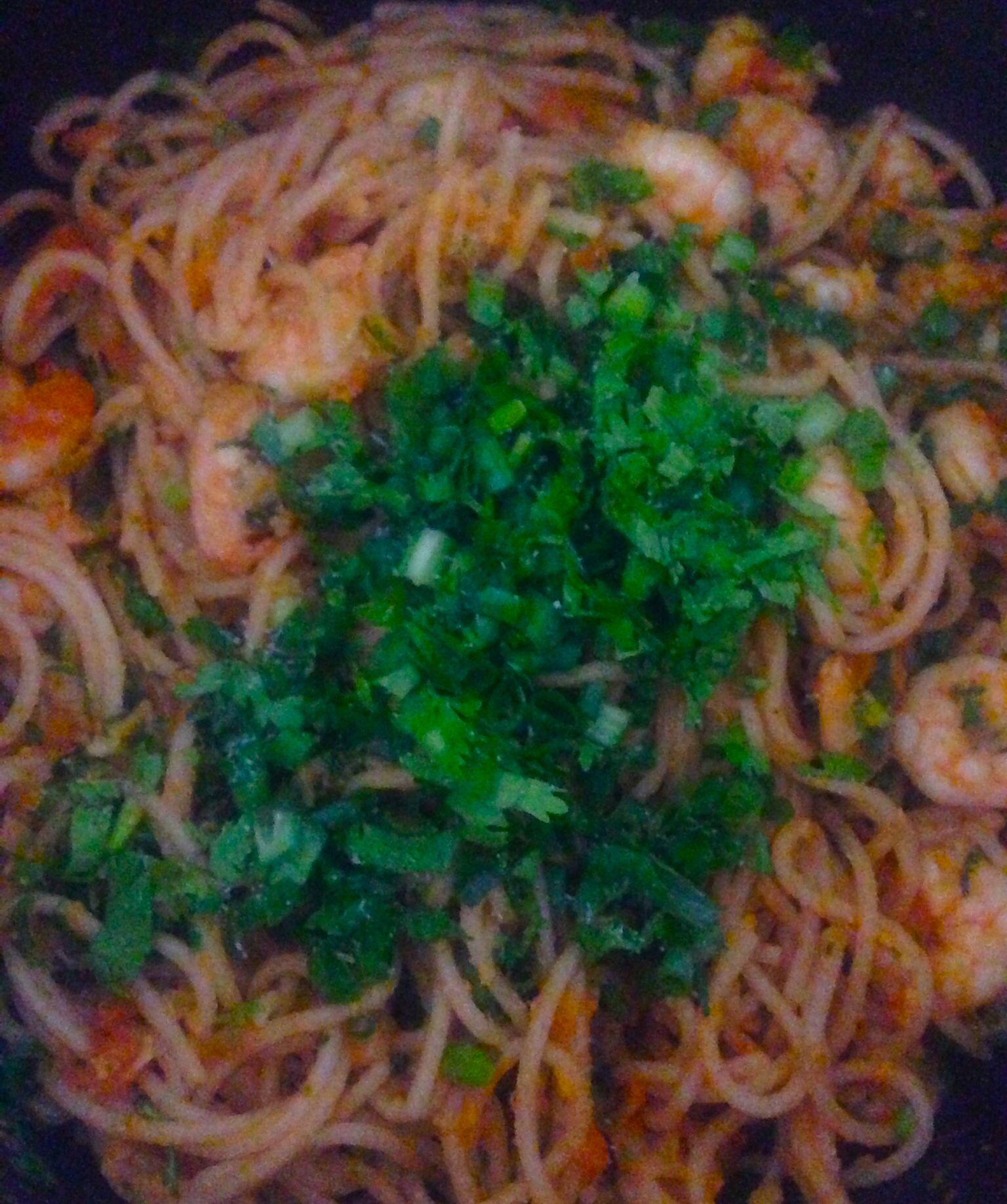 Macarronada com camarão (prática e deliciosa)