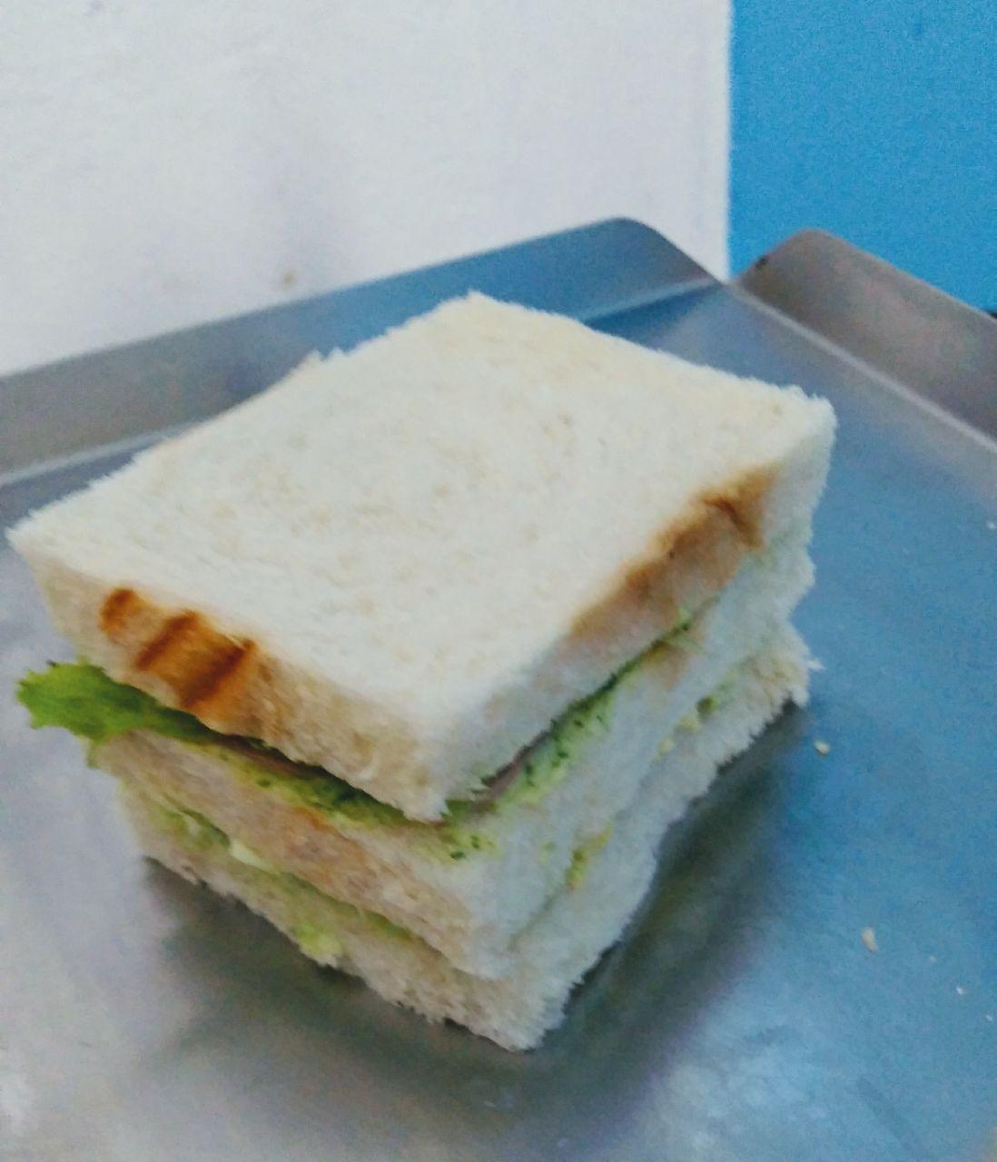 Mustard sandwich (sanduíche de mostarda com mel)