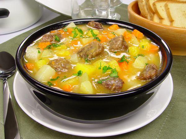Sopa de legumes levinha