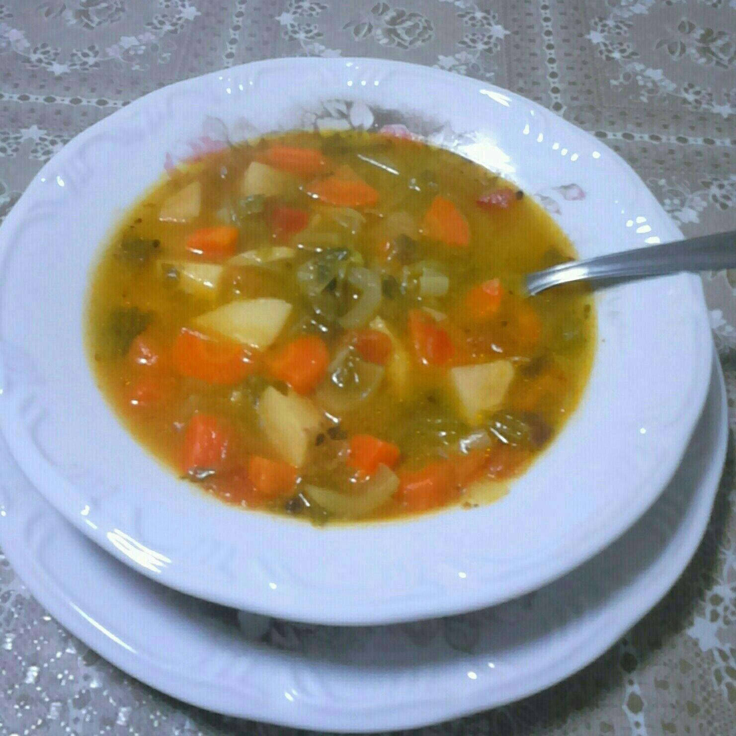 Sopa de salsão muito saborosa