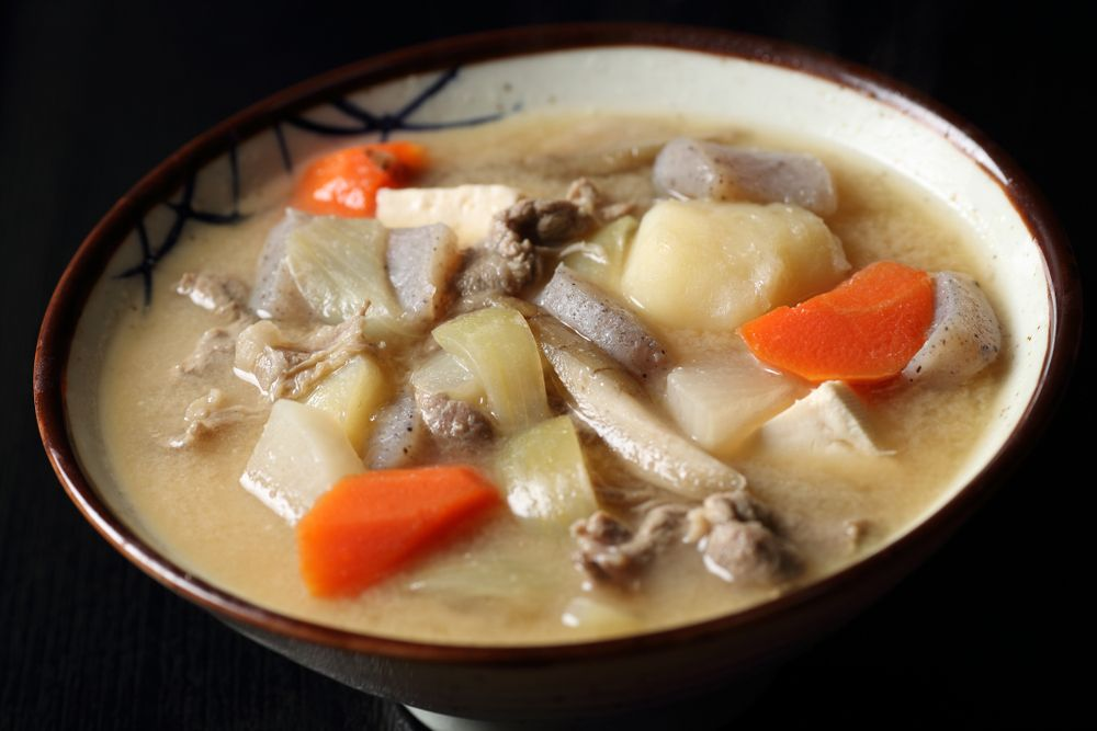 Tonjiru (sopa de missô com carne de porco)