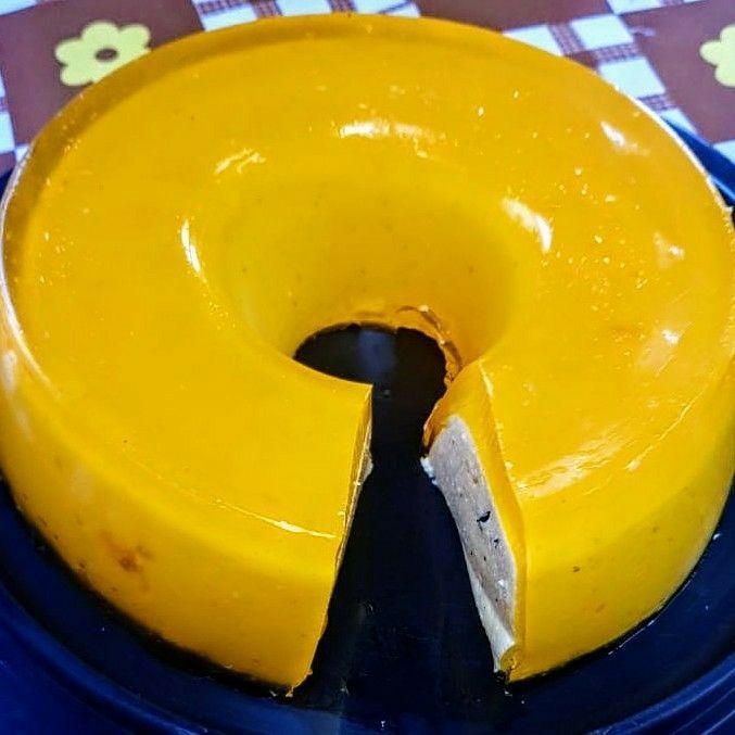 Gelatina recheada com mousse de limão