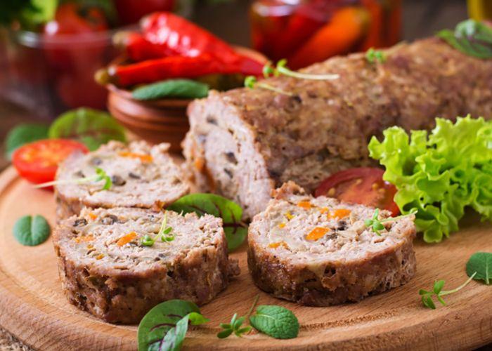 Rocambole de carne fácil e gostoso