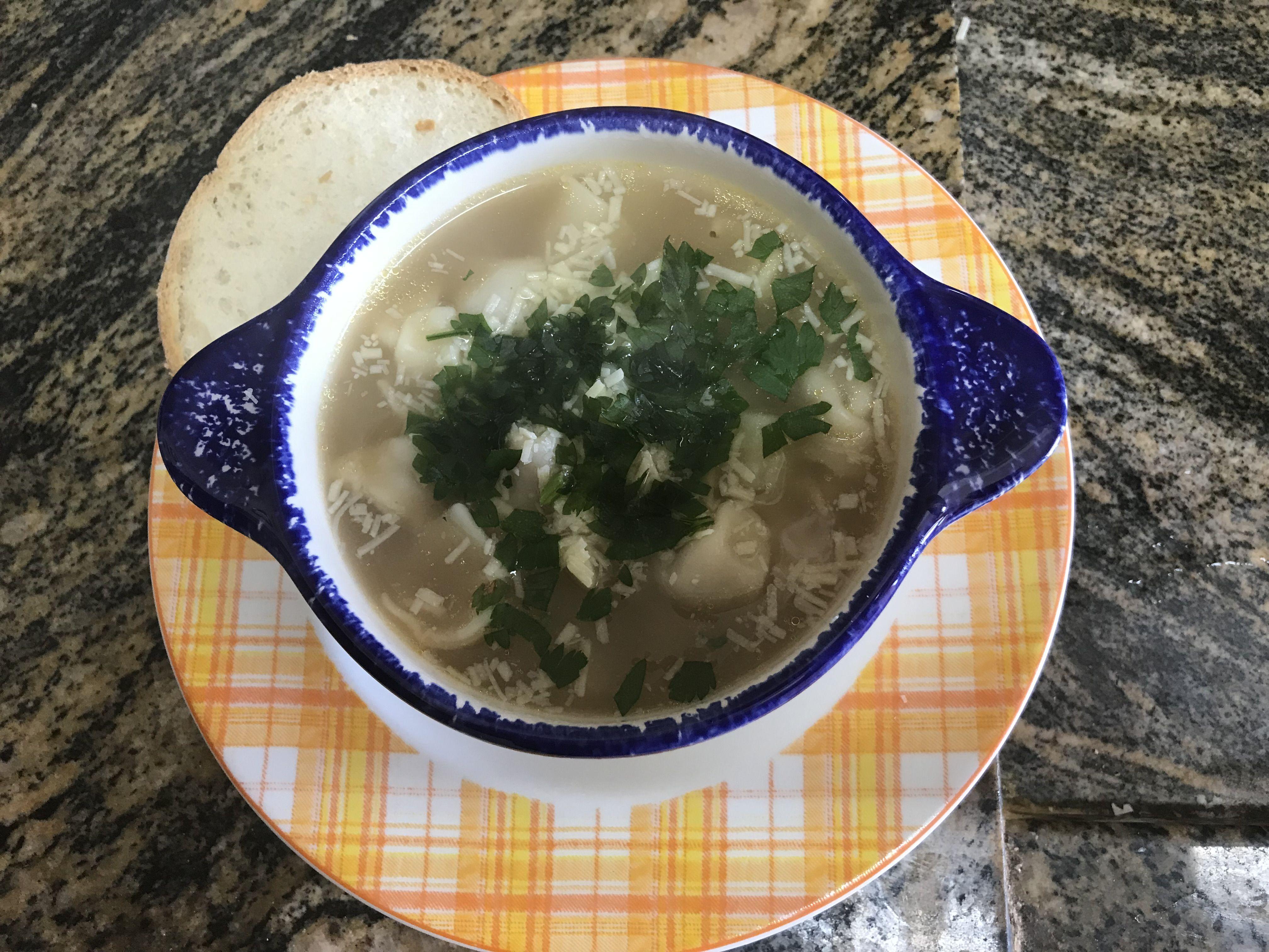 Sopa de agnolini da Vó Ida